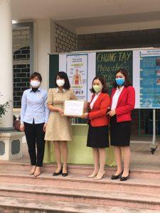 Dược Phẩm Hải Linh trao tặng Gel rửa tay miễn phí phòng, chống dịch COVID-19